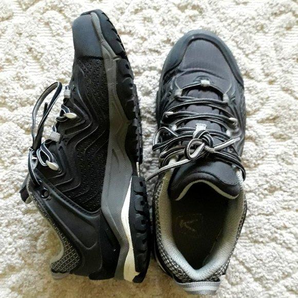 Keen Women's Aphlex Waterproof Shoe, Black